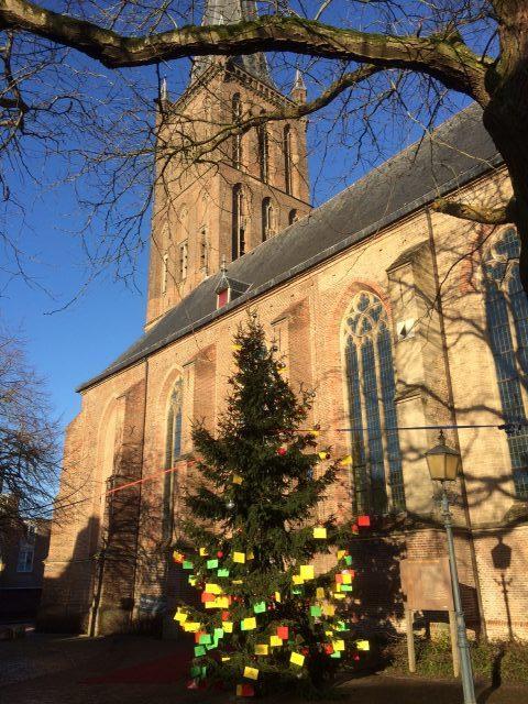 Bijzondere wens in de wensboom bij de Grote Kerk